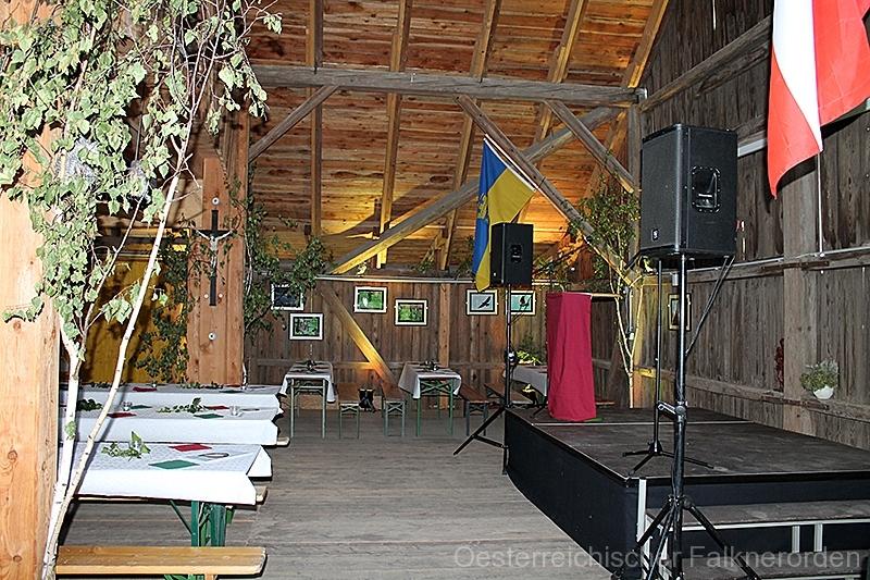 Der Festsaal wartet auf seine Gäste