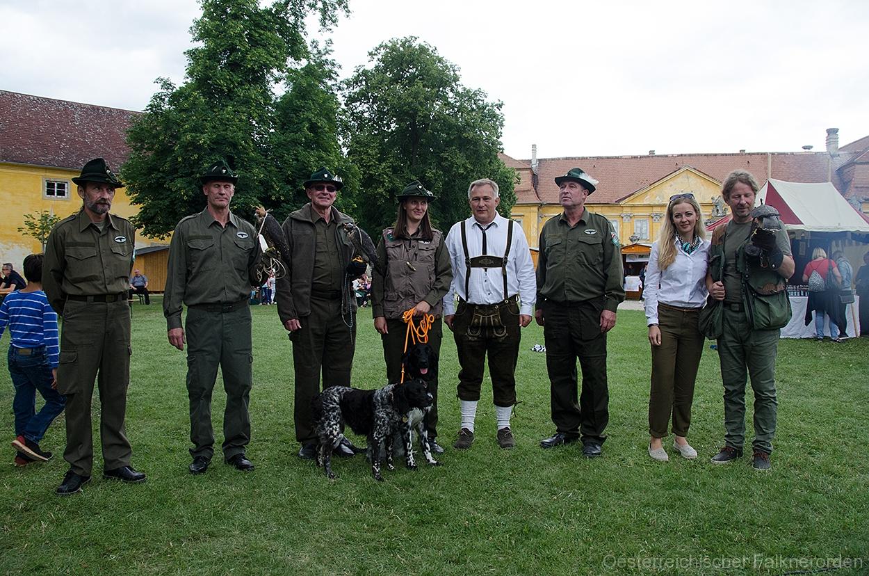 Falkner und Hunde