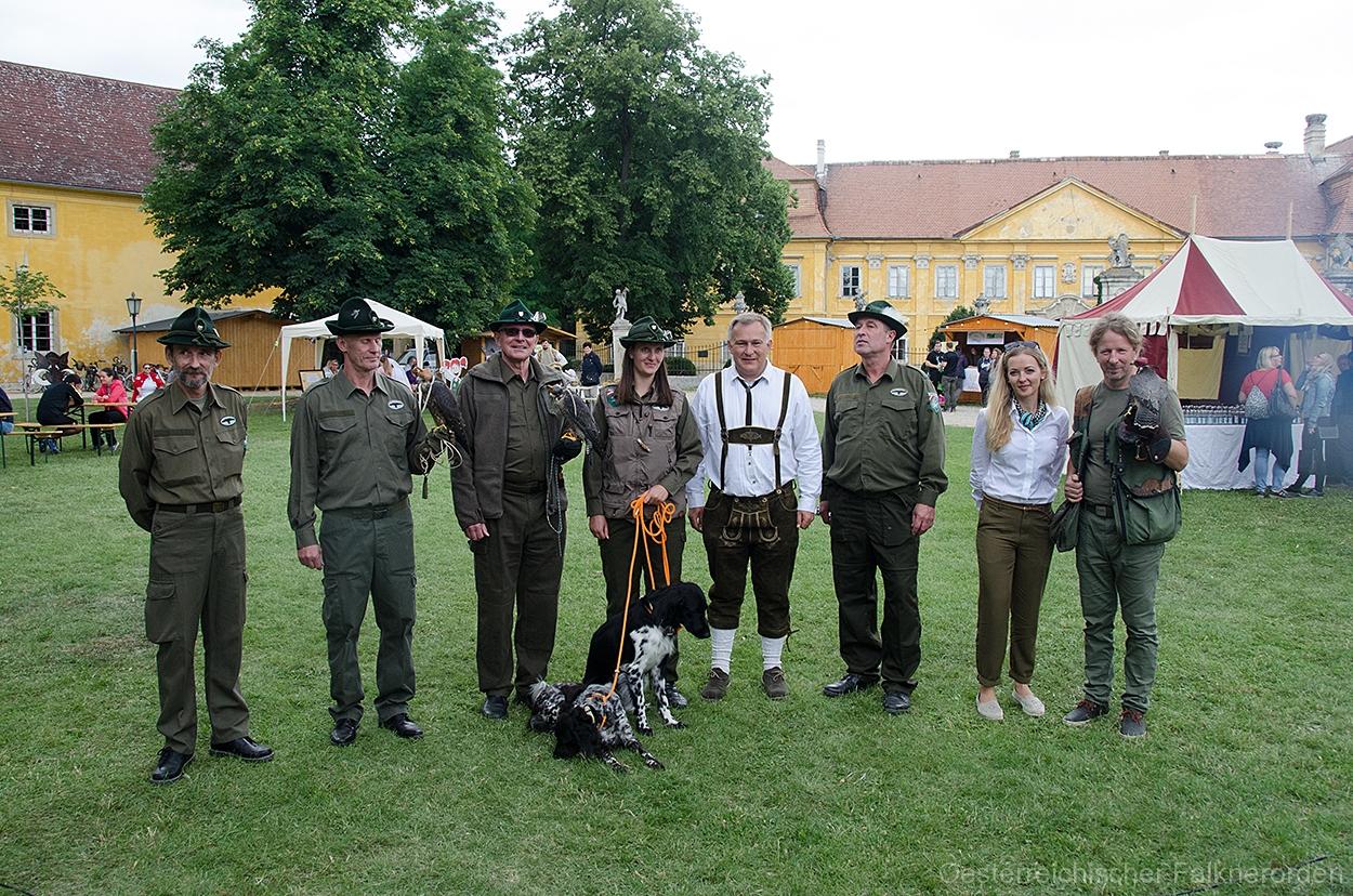 Der österreichische Falknerorden bei der Feier 750 Jahre Marchegg
