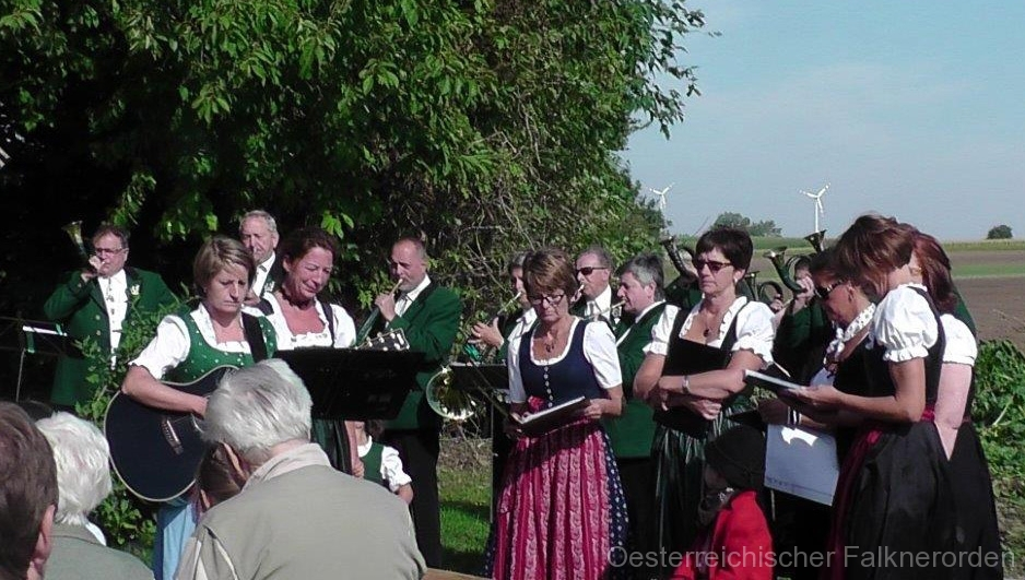 Die Pachfurther LERCHERL und die Jagdhornbläsergruppe CARNUNTUM