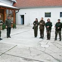 Begrüßung vor der Jagd