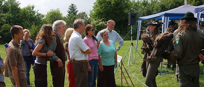 Greifvogelpräsentation und Informationsstand des Österreichischen Falknerordens beim Bezirksjägertag Korneuburg 2008
